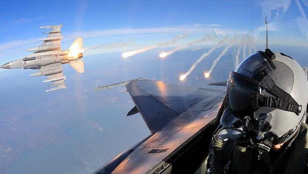 F16 - Sputnik Türkiye