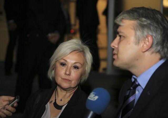 Şengül Hablemitoğlu, öğle saatlerinde avukatı Ersan Barkın ile geldiği Ankara Adliyesi'nde, Anayasal Düzene Karşı İşlenen Suçları Soruşturma Bürosu'ndan sorumlu Cumhuriyet Başsavcıvekili Necip Cem İşçimen'e ifade verdi.