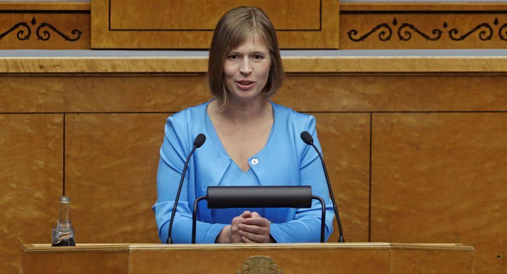 Estonya'da Kersti Kaljulaid ülkenin ilk kadın cumhurbaşkanı oldu.