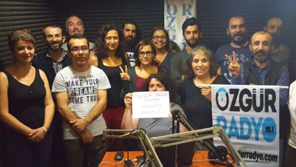 Özgür Radyo - Sputnik Türkiye