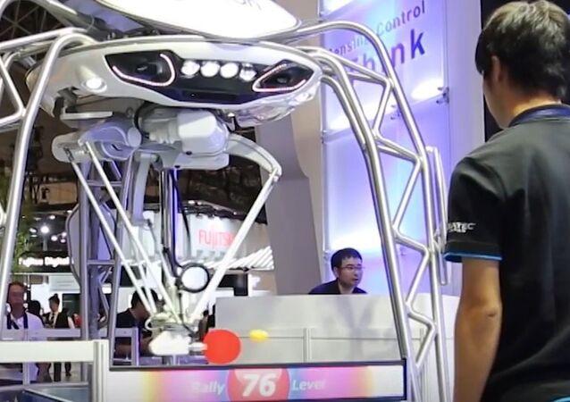 Masa tenisinin yeni şampiyonu bir robot oldu