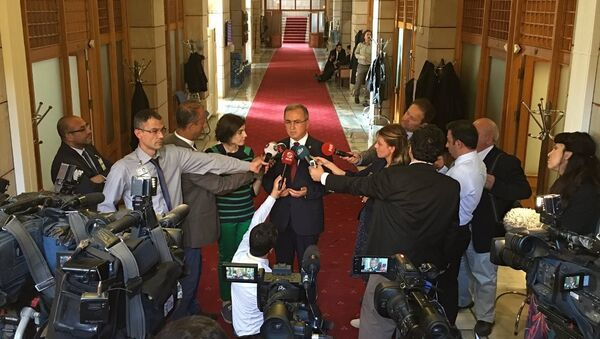 AK Parti Burdur Milletvekili Reşat Petek - Sputnik Türkiye