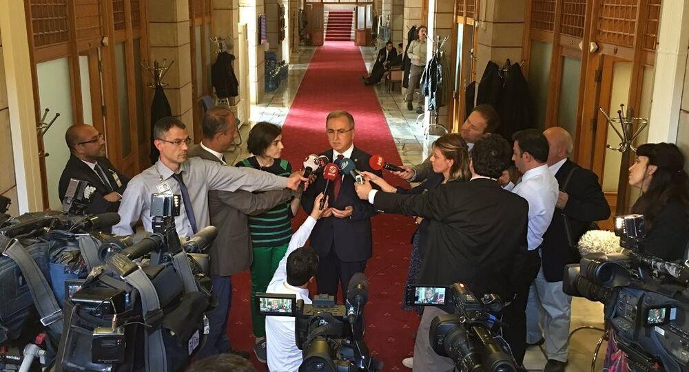 AK Parti Burdur Milletvekili Reşat Petek