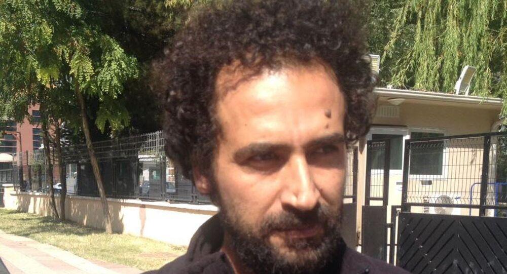 Öğretmen ve yazar Murat Özyaşar