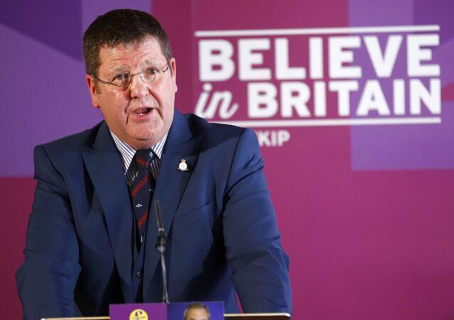 UKIP savunma sözcüsü Mike Hookem