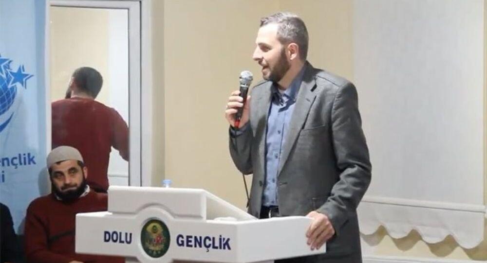 Kabataş Erkek Lisesi Müdür Yardımcısı Şakir Voyvot