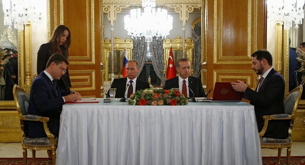 Rusya ve Rusya arasında Türk Akımı projesi imzalandı.