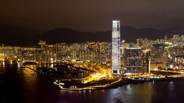 Hong Kong'rta bulunan yüksekliği 484 metre olan uluslararası ticaret merkezi Çin'in en yüksek binaları arasında 3. sırada ve dünyada 6. sırada bulunuyor. - Sputnik Türkiye