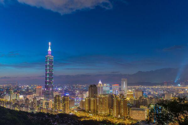 Ünlü Taipei Kulesi Tayvan başkentinde bulunuyor.  Yüksekliği 509 metre. - Sputnik Türkiye