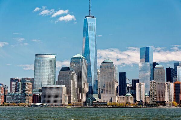 New-York'ta bulunan dünya Ticaret Merkezi 1 ABD'nin en yüksek gökdelenidir, dünyada ise 3. sırada bulunuyor. Anten ile birlikte binanın yüksekliği 541 metre, ntensiz yüksekliği ise 417 metre. - Sputnik Türkiye