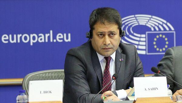 Avrupa Parlamentosu (AP) İnsan Hakkları Alt Komitesinde Türkiye'deki hukukun üstünlüğü görüşüldü. Toplantıya katılan AB Bakan Yardımcısı Ali Şahin (fotoğrafta) bir konuşma yaptı. - Sputnik Türkiye