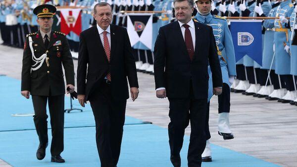Ukrayna Devlet Başkanı Pyotr Poroşenko, Ankara'da Cumhurbaşkanı Recep Tayyip Erdoğan'ı ziyaret etti. - Sputnik Türkiye