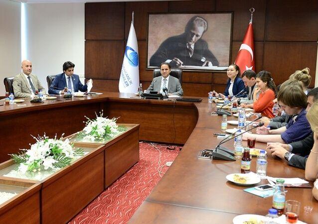 Yurtdışı Türkler ve Akraba Topluluklar (YTB) Başkanı Kudret Bülbül, Rus gazeteci heyeti ile bir araya geldi.
