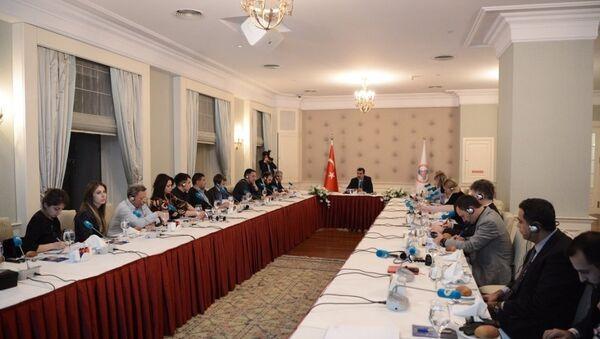 Tüfenkci, Türkiye Odalar Borsalar Birliği'nde Rus basın mensupları ile bir araya geldi. - Sputnik Türkiye