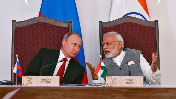 Rusya Devlet Başkanı Vladimir Putin ve Hindistan Başbakanı Narendra Modi - Sputnik Türkiye