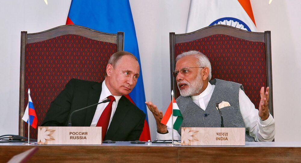 Rusya Devlet Başkanı Vladimir Putin ve Hindistan Başbakanı Narendra Modi