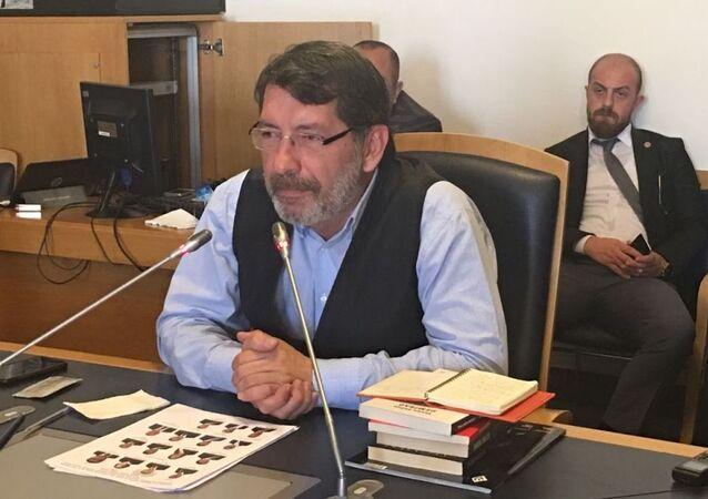 Gazeteci-yazar Yavuz Selim Demirağ