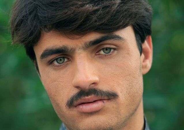 Arshad Khan-Pakistanlı yakışıklı çaycı
