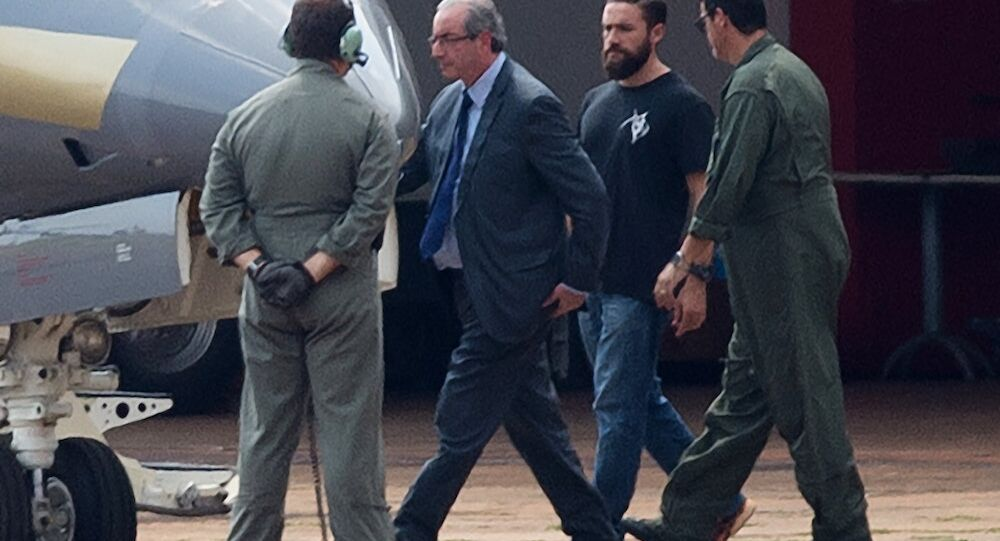 Eski Temsilciler Meclisi Başkanı Eduardo Cunha'yı gözaltına alan polis Lucas Valença, Brezilya'da popüler oldu.