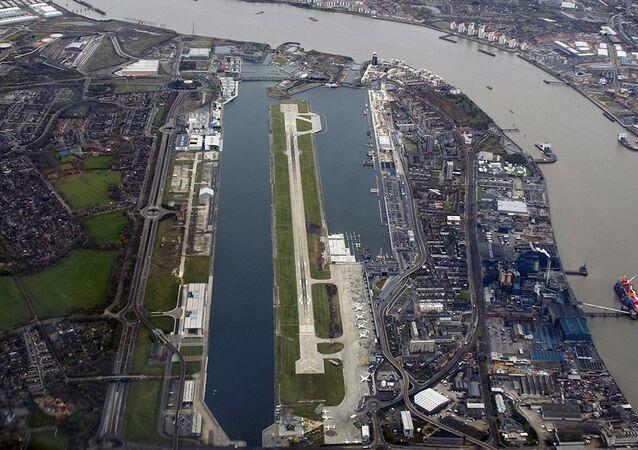 Londra Şehir Havalimanı (City Havalimanı)