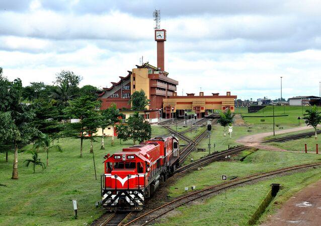 Kamerun'un Douala kentinden ayrılan tren