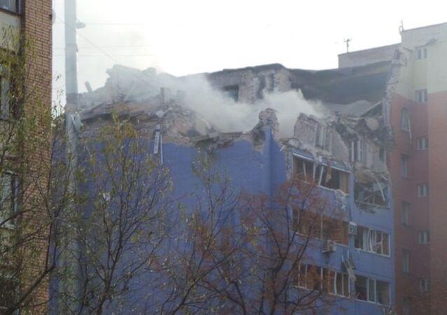 Rusya'nın Ryazan kentinde 10 katlı bir binada doğalgaz patlaması meydana geldi. Patlama nedeniyle 3 kişi öldü, biri çocuk 15 kişi yaralandı.