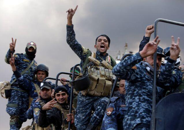 Musul operasyonu sırasında Irak askerleri (Irak).