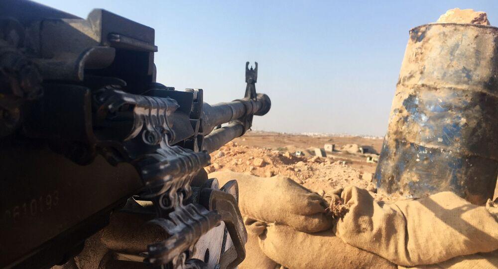 Halep'in güneyindeki hava savunma üssünün bulunduğu bölgedeki Suriye ordusu mevzii.