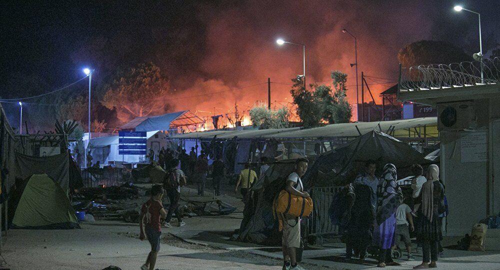 Midilli sığınmacı kampı yangın