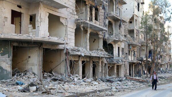 Halep'te harap olmuş binalar - Sputnik Türkiye