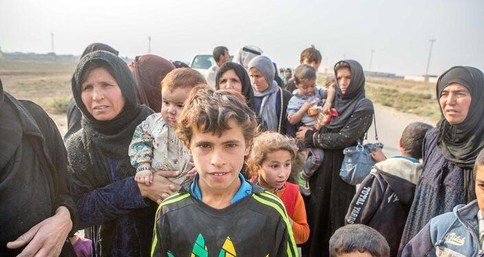 Araçlarıyla kaçan köylüler Peşmerge güçleri tarafından Musul ile Erbil yolu arasındaki Bartilla kasabası yakınına getirildikten sonra kendilerine yiyecek ve içecek verildi.