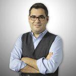 Türk tiyatrocu, gazeteci, televizyon program yapımcısı Enver Aysever.