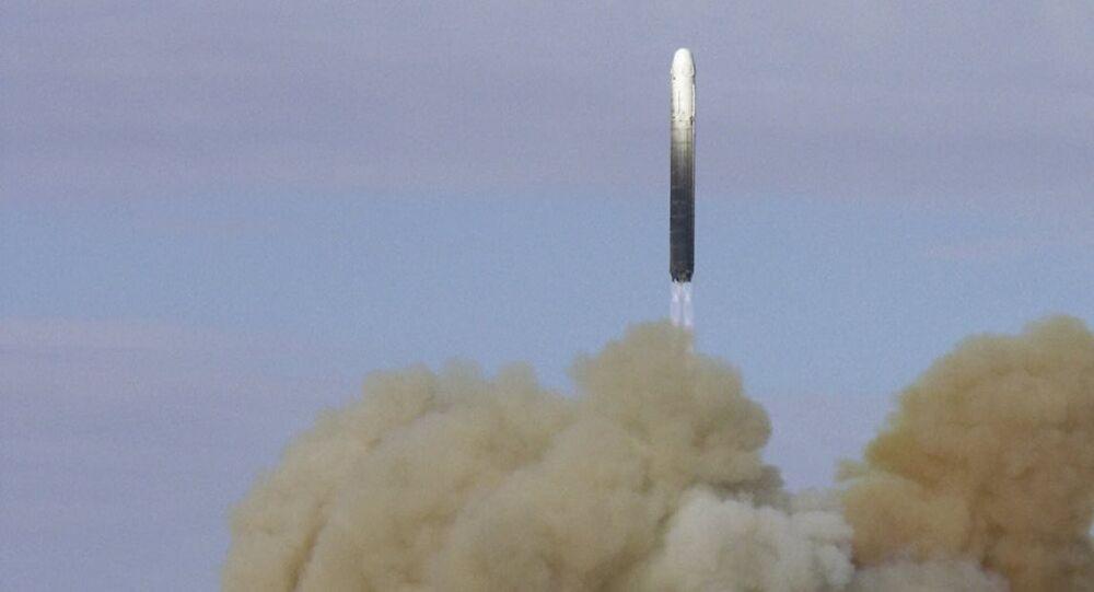 Rusya RS-18 balistik füze denemesi