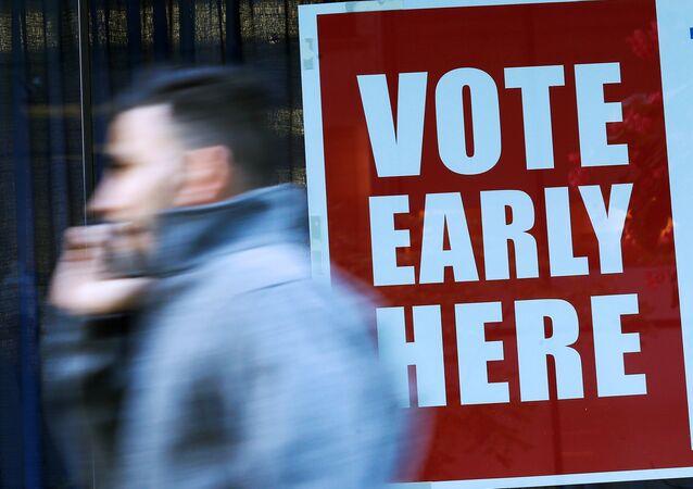 ABD'de erken oy verme işlemi başladı.