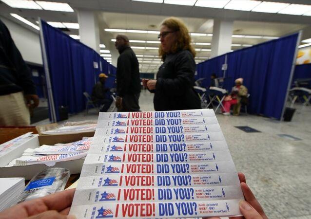 ABD'de erken oy verme işlemi başladı