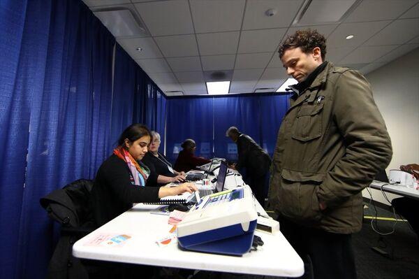 ABD'de erken oy verme işlemi başladı - Sputnik Türkiye