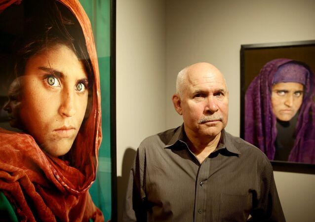 Dünyanın en ünlü Afgan kızı Şerbet Gula ve fotoğrafçısı Steve McCurry
