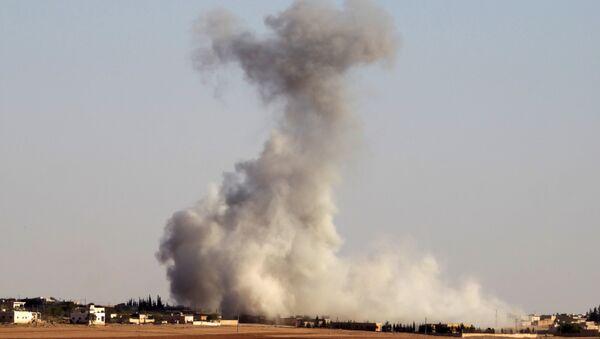 Halep'te teröristler ordu güçlerine Grad füzeleriyle saldırıyor - Sputnik Türkiye