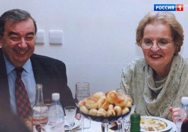 Rusya eski başbakanı Yevgeni Primakov ve 1997 yılında dönemin ABD Dışişleri Bakanı Madeleine Korbel Albright