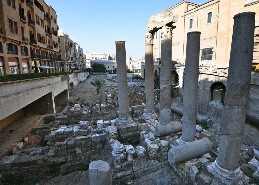 Lübnan'ın Beyrut şehrinin merkezindeki Roma şehrinin kalıntıları.