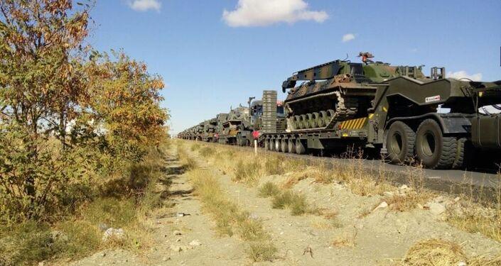 Askeri kaynaklara göre Ankara'dan tanklar, tank kurtarıcılar ve Çankırı'dan tekerlekli araçlar ve iş makinaları, Şırnak Silopi'ye doğru intikale başladı.