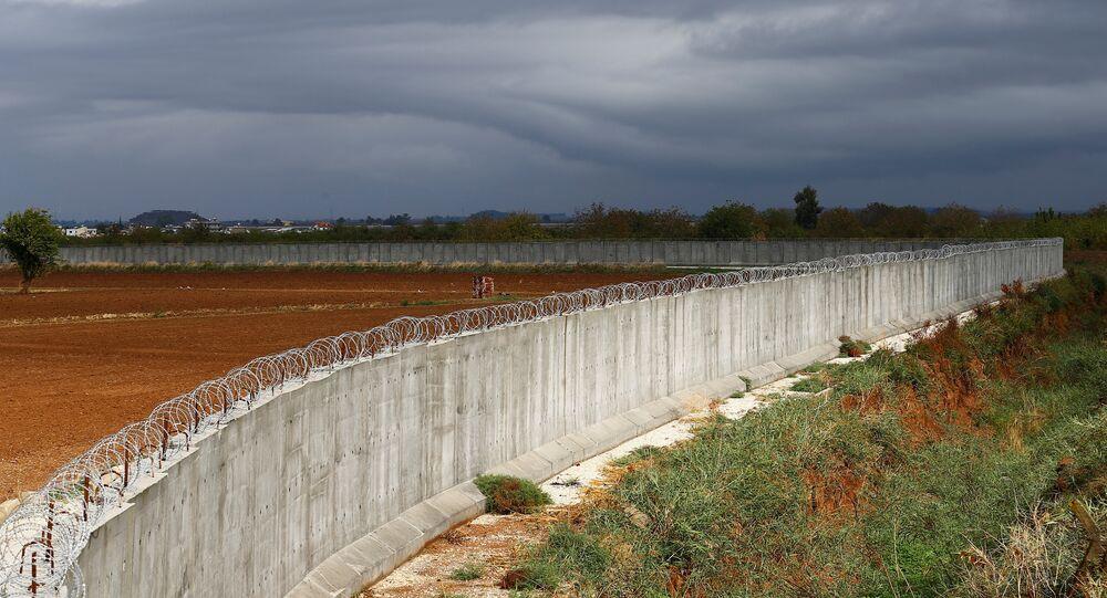 Türkiye-Suriye sınırına örülen dev beton duvar bitmek üzere