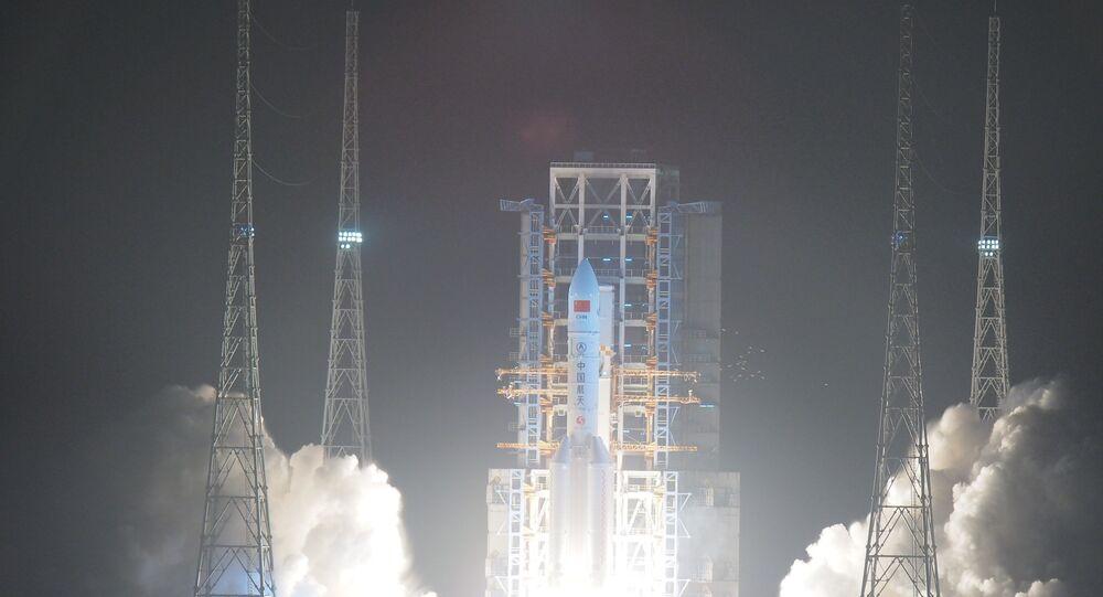Çin'in en büyük fırlatma aracı olan Changzheng-5 isimli roket