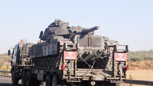 Şırnak'ın Sinopi ilçesine sevk edilen 28. Mekanize Piyade Tugay Komutanlığı Barış Gücü bünyesindeki tank ve zırhlı araçların oluşturduğu konvoy Şanlıurfa'dan geçti. - Sputnik Türkiye