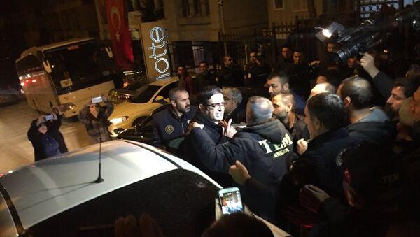HDP Grup Başkanvekili ve Diyarbakır Milletvekili İdris Baluken, partisinin genel merkezinde gözaltına alındı. - Sputnik Türkiye