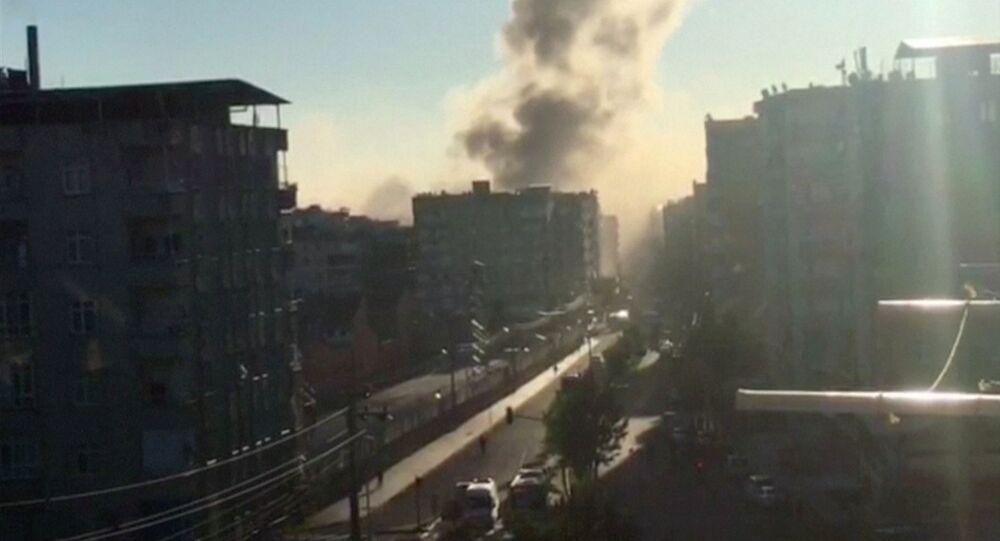 Diyarbakır'ın Bağlar ilçesindeki patlama, kentin pek çok noktasından duyuldu.