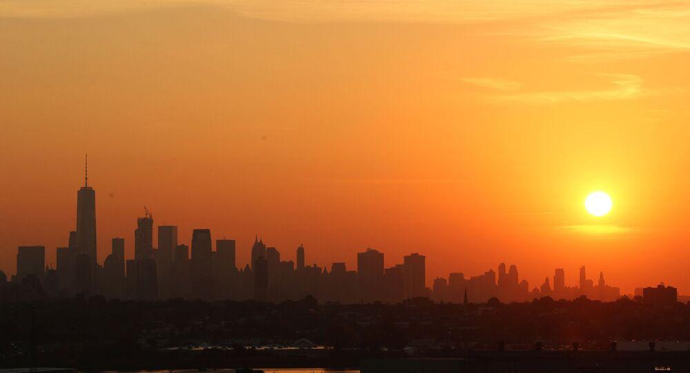New-York'ta güneşin doğduğu anda Manhattan mahallesi.