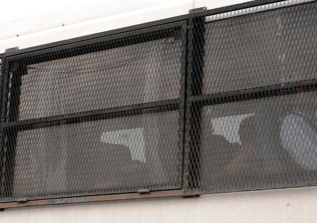 Tutuklanan 9 Cumhuriyet yöneticisi ve yazarı Silivri Cezaevi'ne götürüldü