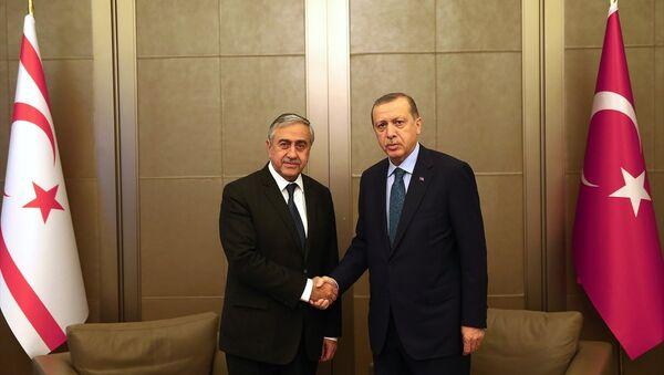 Erdoğan ve Akıncı Tarabya Köşkü'nde görüştü - Sputnik Türkiye