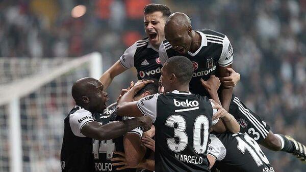 Beşiktaş, Trabzonspor'u 2-1 yenerek zirve takibini sürdürdü - Sputnik Türkiye